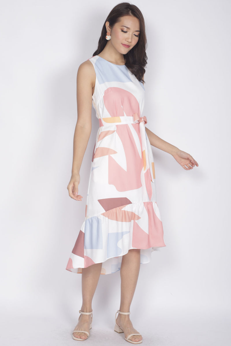 Berlin Abstract Drop Hem Dress In White