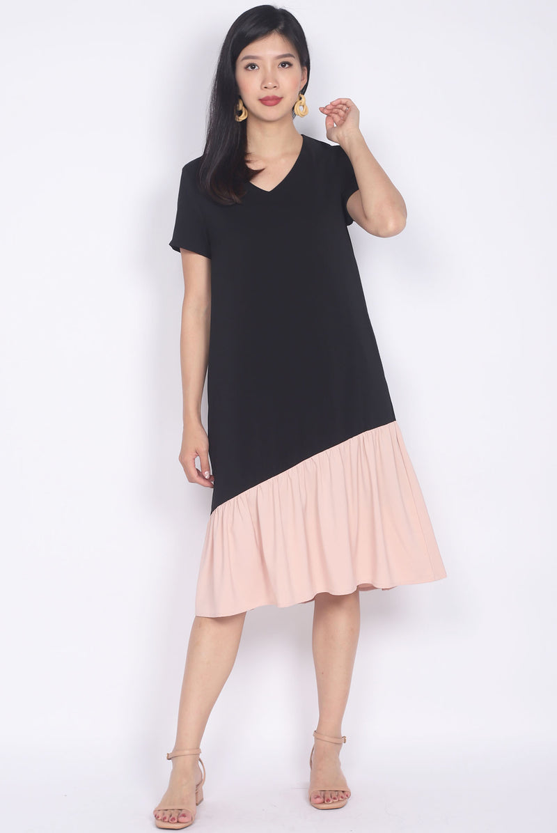 Betsy Asymm Sleeved Dress In Black/Pink