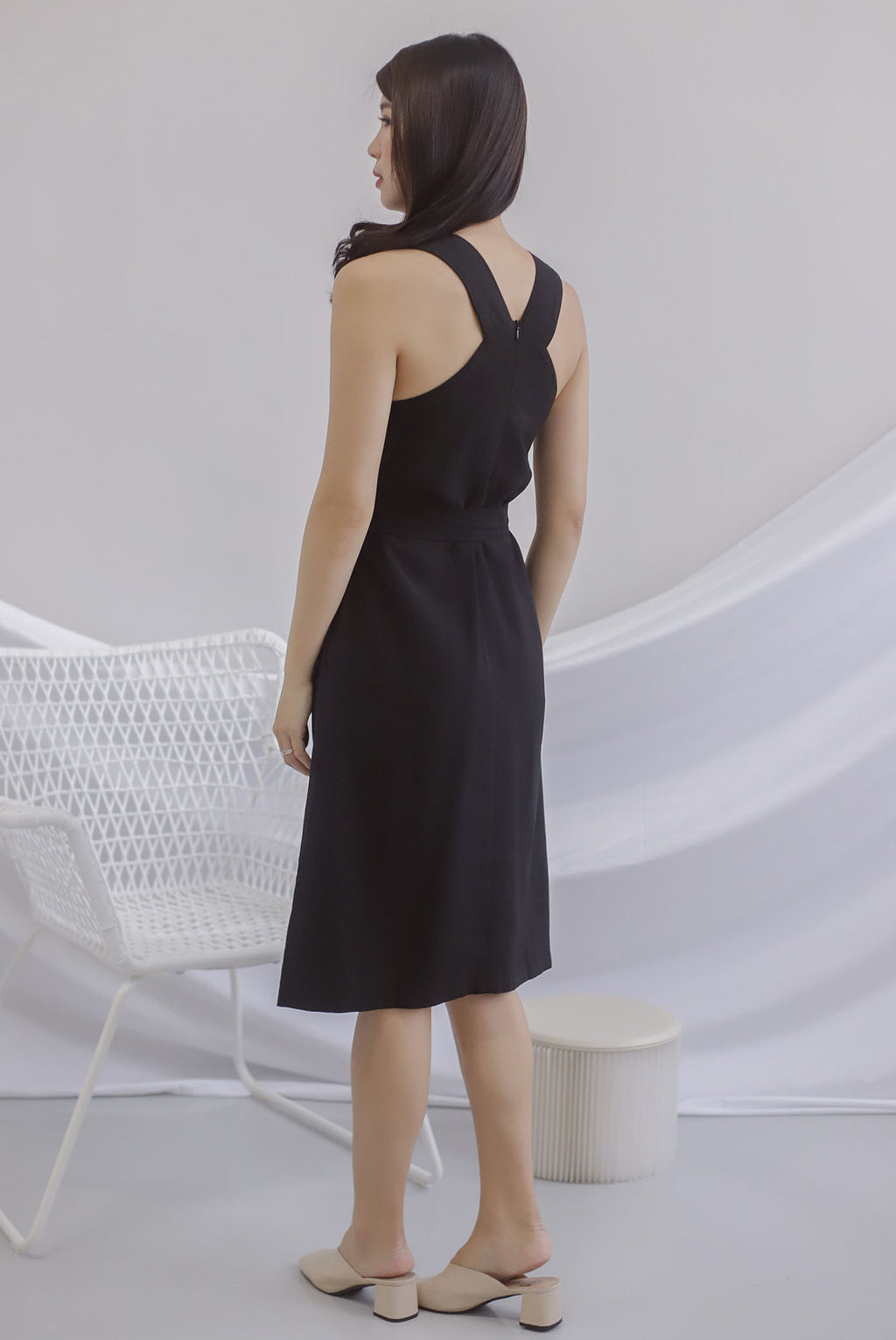Bette V Back Midi Dress In Black