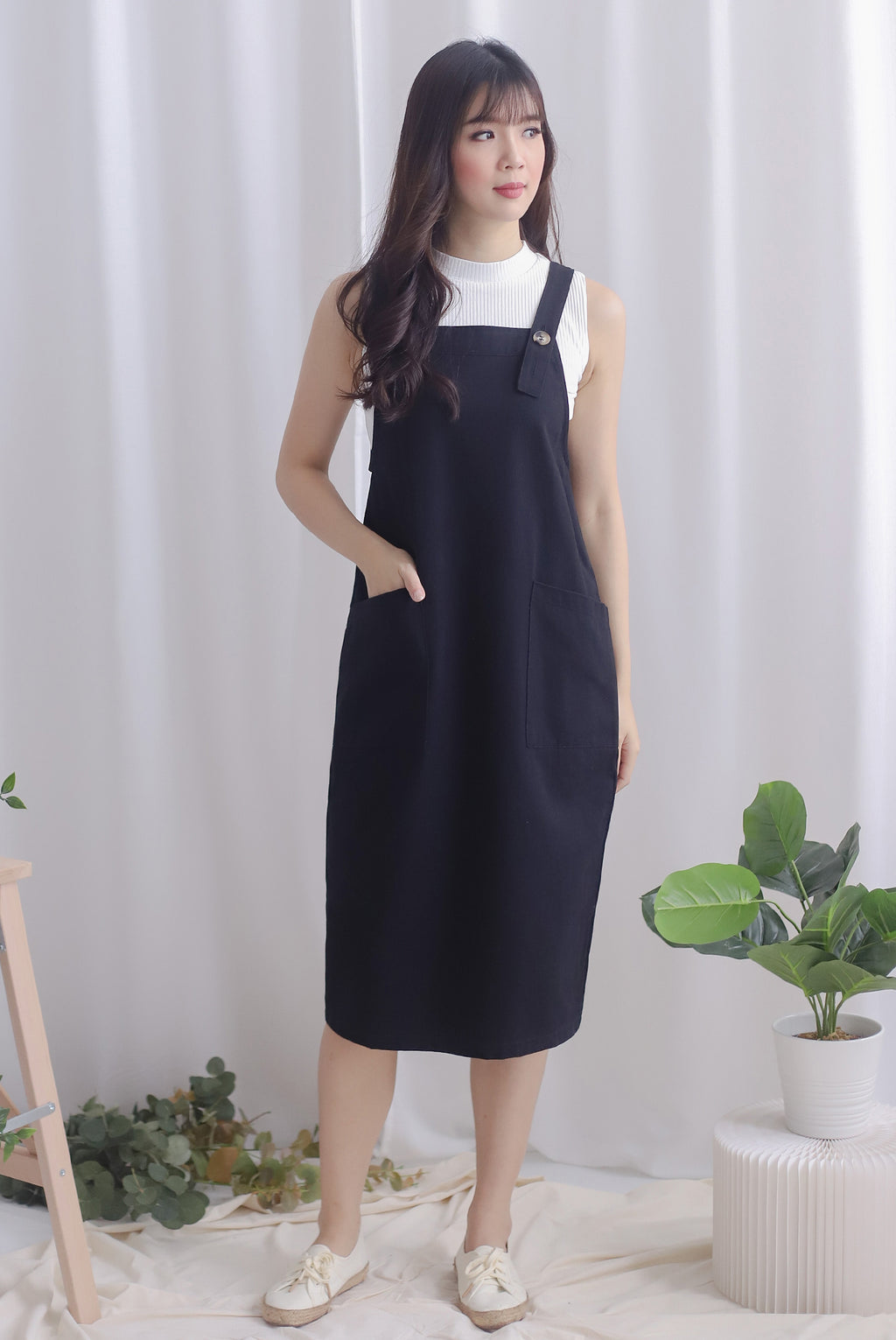 Blyana Dungaree Dress In Black