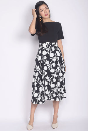 Bonnebell Boat Neck Belted Dress In Black/Black Floral