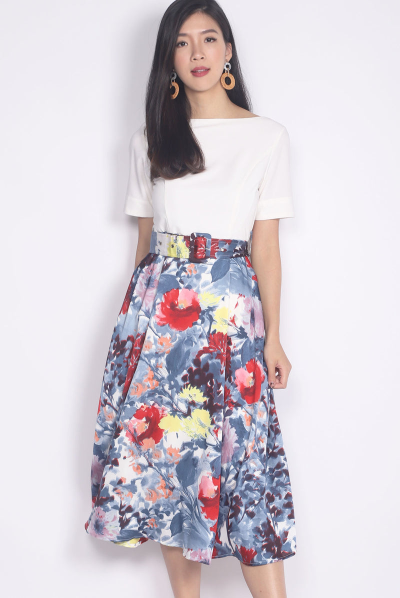 Bonnebell Boat Neck Belted Dress In White/Blue Floral