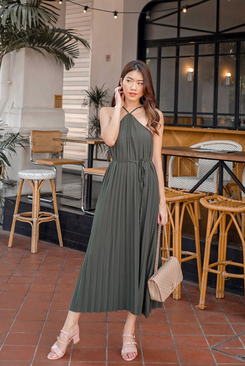 Bowie Pleated 2 Ways Dress In Olive