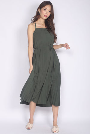 *Restocked* Bowie Pleated 2 Ways Dress In Olive