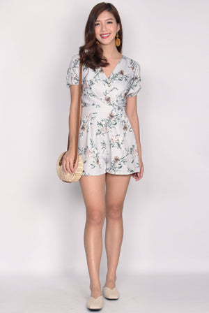 Britta Floral Puff Sleeve Romper In Dusty Blue