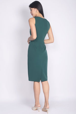 Cameryn Sweetheart Buttons Pencil Dress In Forest Green