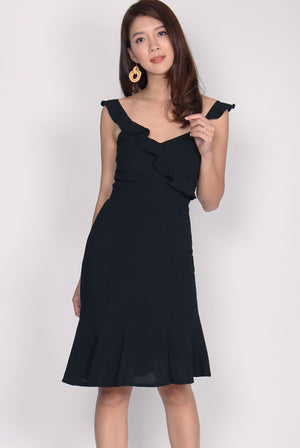 Capri Frill Mermaid Dress In Black