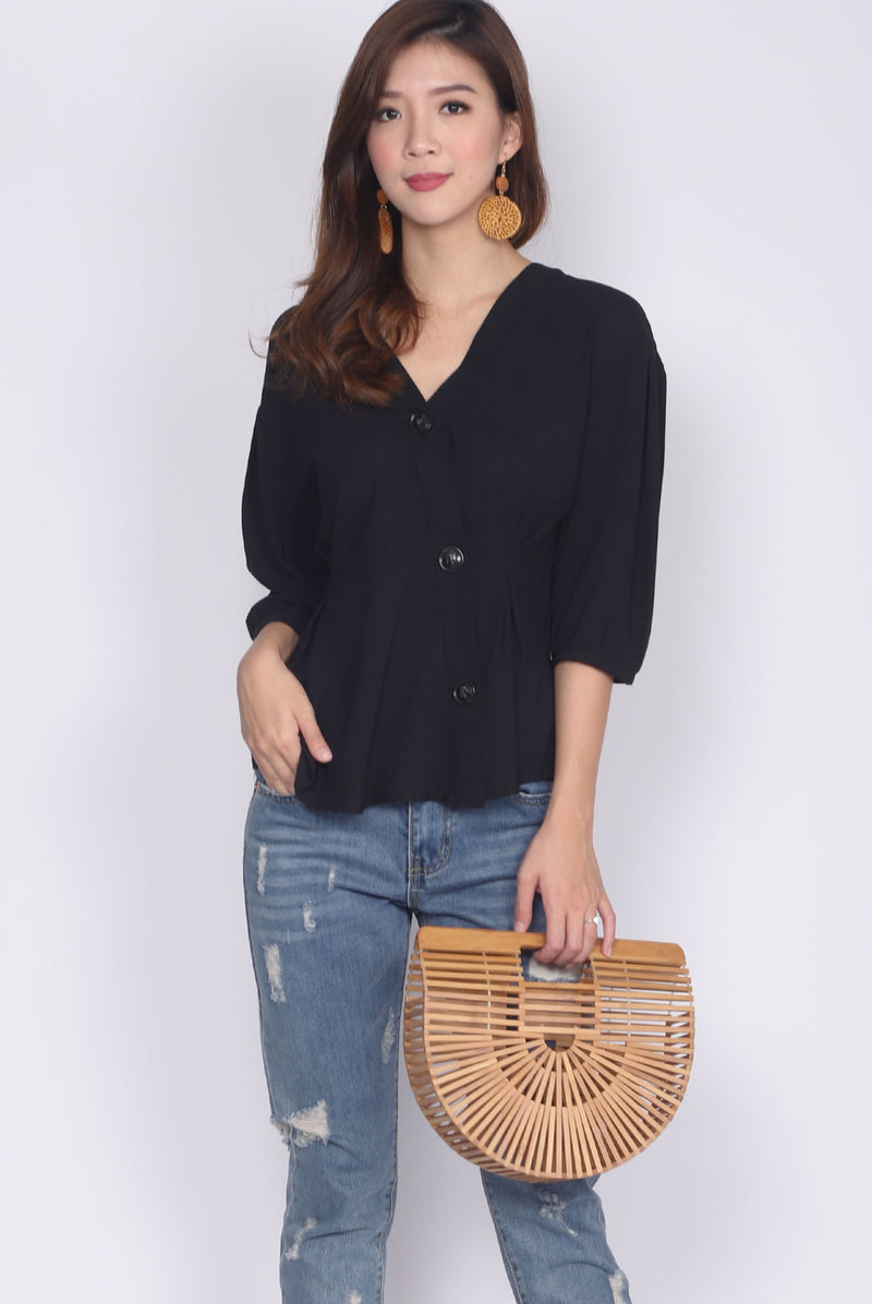 Caresse Overlap Buttons Top In Black