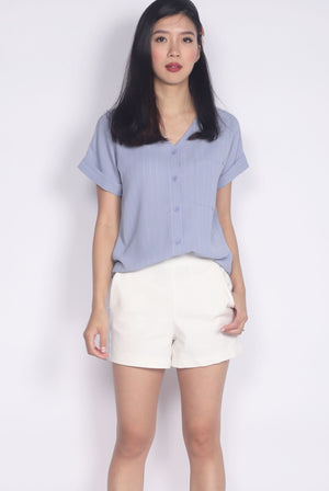 Chica Stripes Buttons Top In Periwinkle
