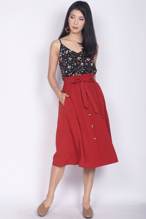 Circe Paperbag Buttons Skirt In Rust Red