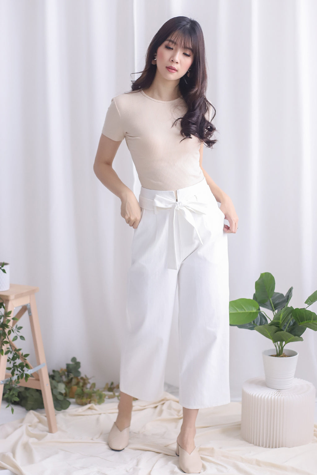 TDC Rei Linen Pants In White