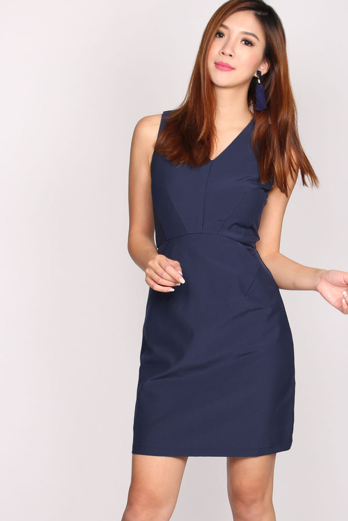 Crescent Pockets Dress In Navy Blue