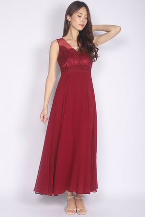 *Premium* Daenerys Lace Slit Maxi Dress In Wine Red