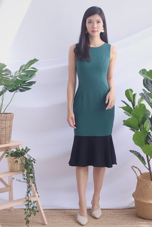Dale Colour Block Mermaid Dress In Forest/Black