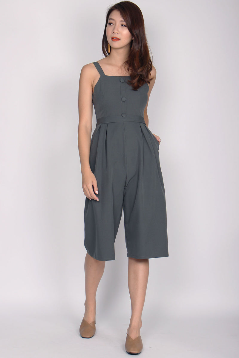 Dannika Buttons Jumpsuit In Olive