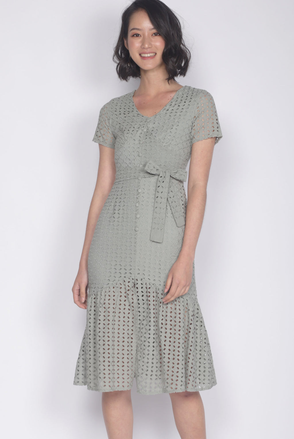 Darletta Eyelet Buttons Dress In Sage