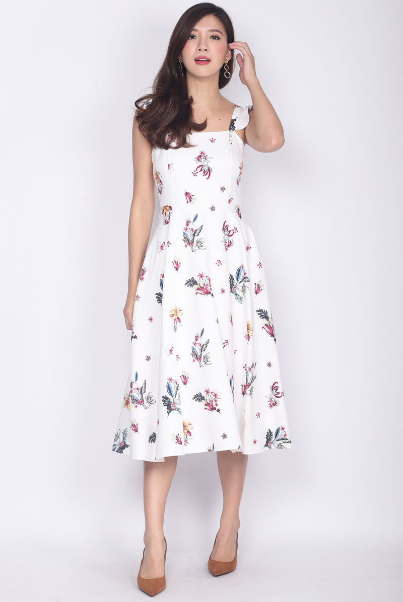 Deloris Ruffle Strap Dress In White Floral
