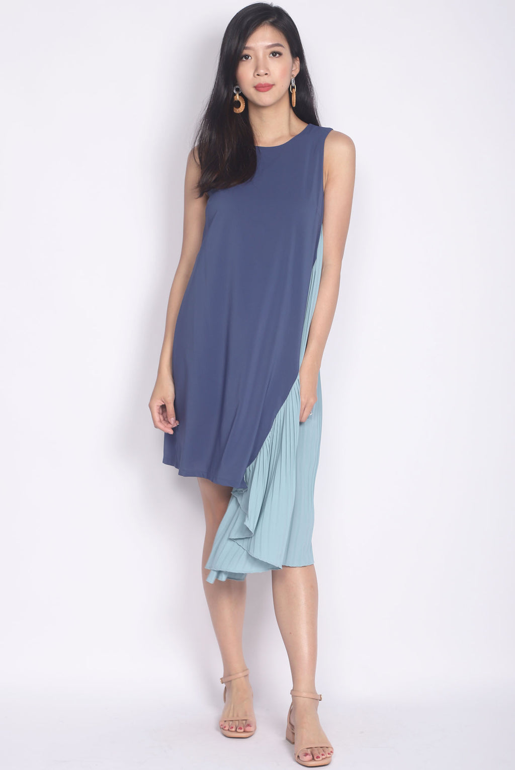 Delphine Colour Block Pleat Asymm Dress In Ocean