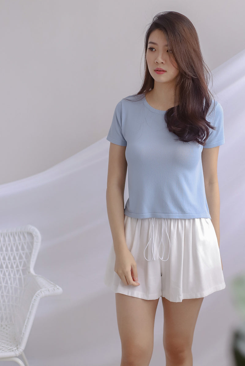 Evey Round Neck Tee In Skyblue