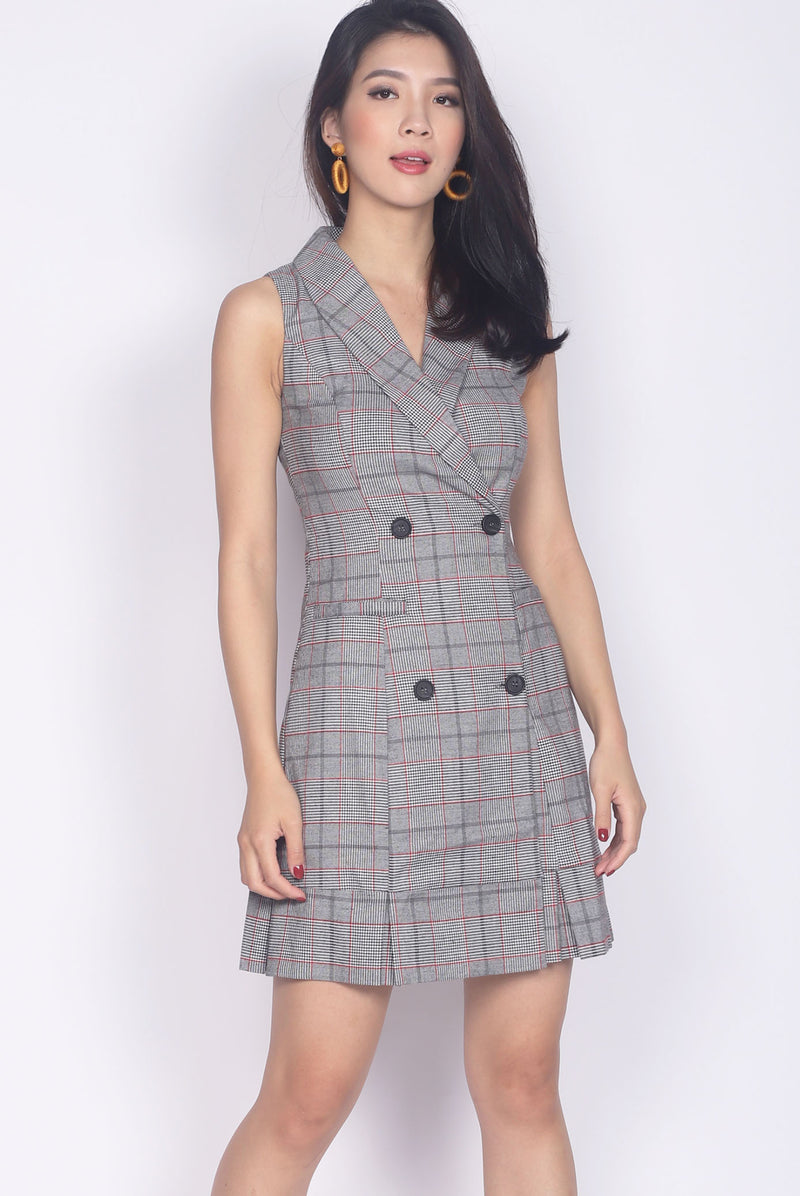 *Backorder* Dierdre Vest Pleated Hem Dress In Plaids