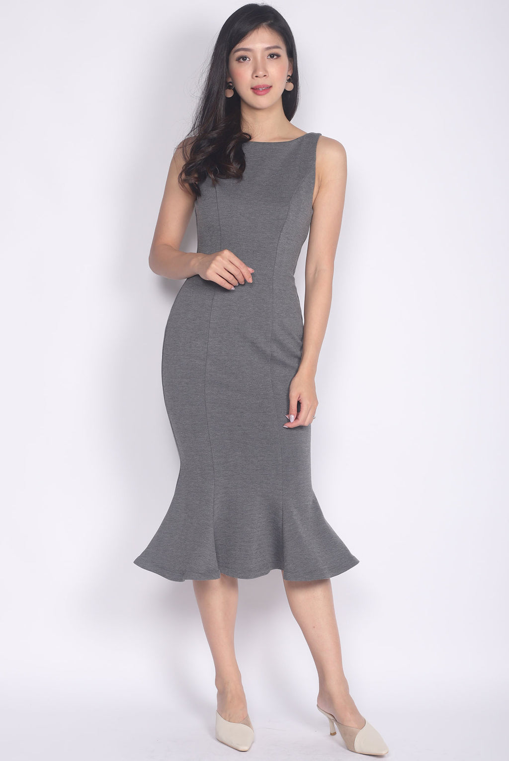 Dinorah Boat Neck Mermaid Dress In Grey