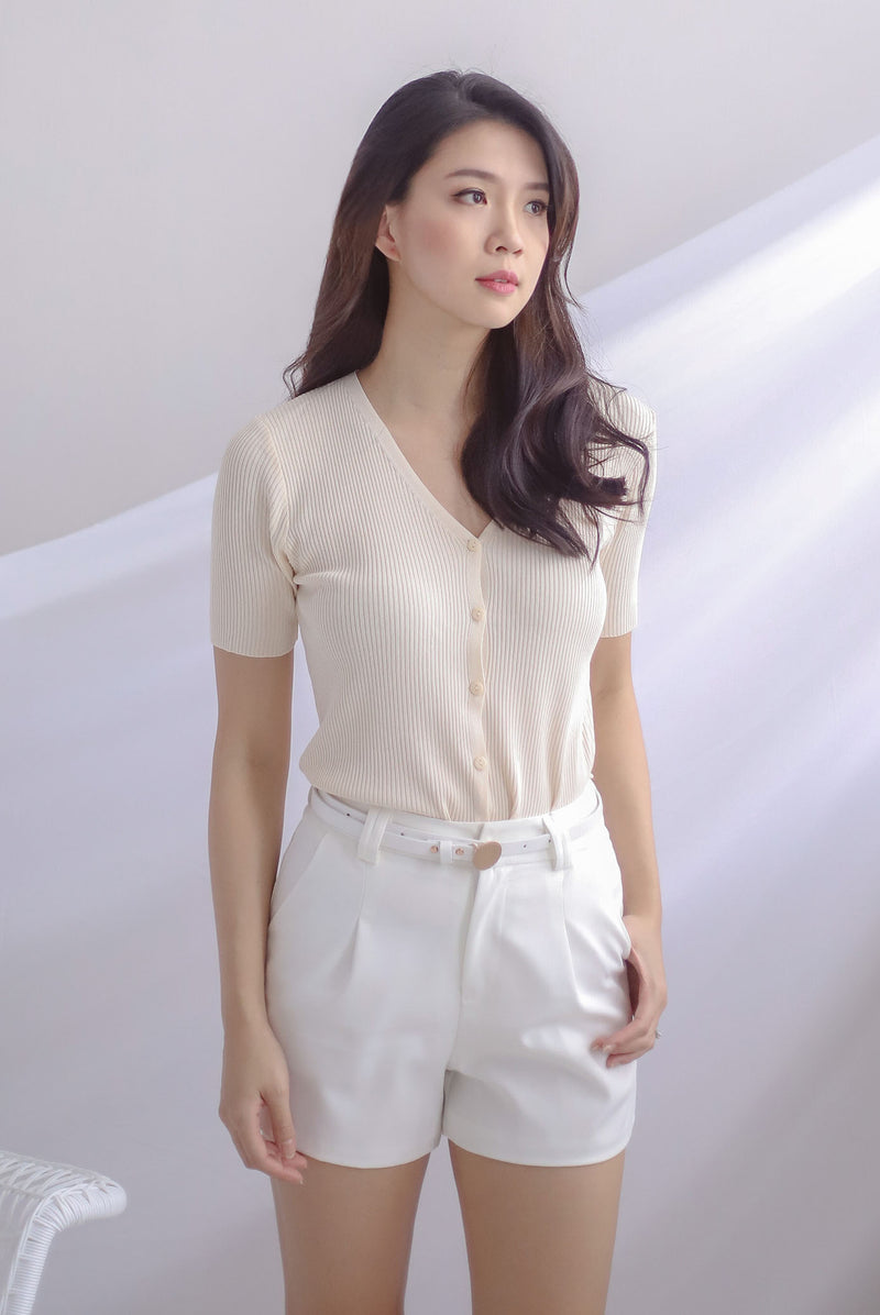 Dollie Ribbed Buttons Sleeved Top In Cream