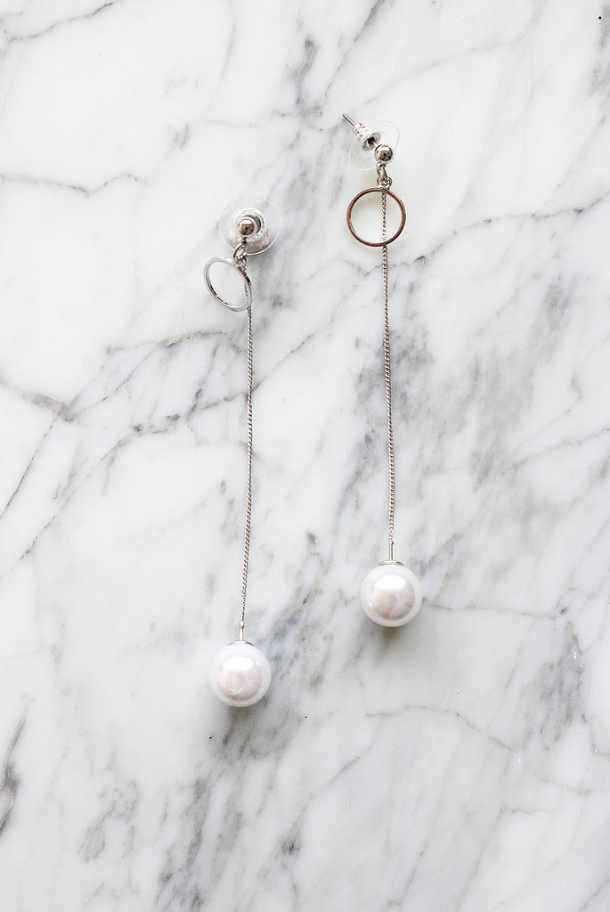 *BACKORDER* Pearl Silver Drop Earrings