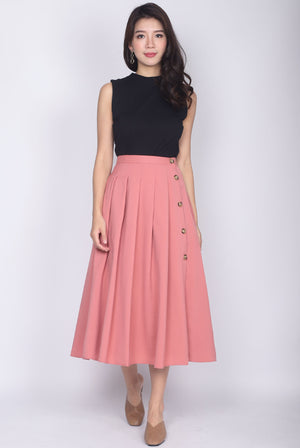 Edaline Buttons Box Pleat Skirt In Pink