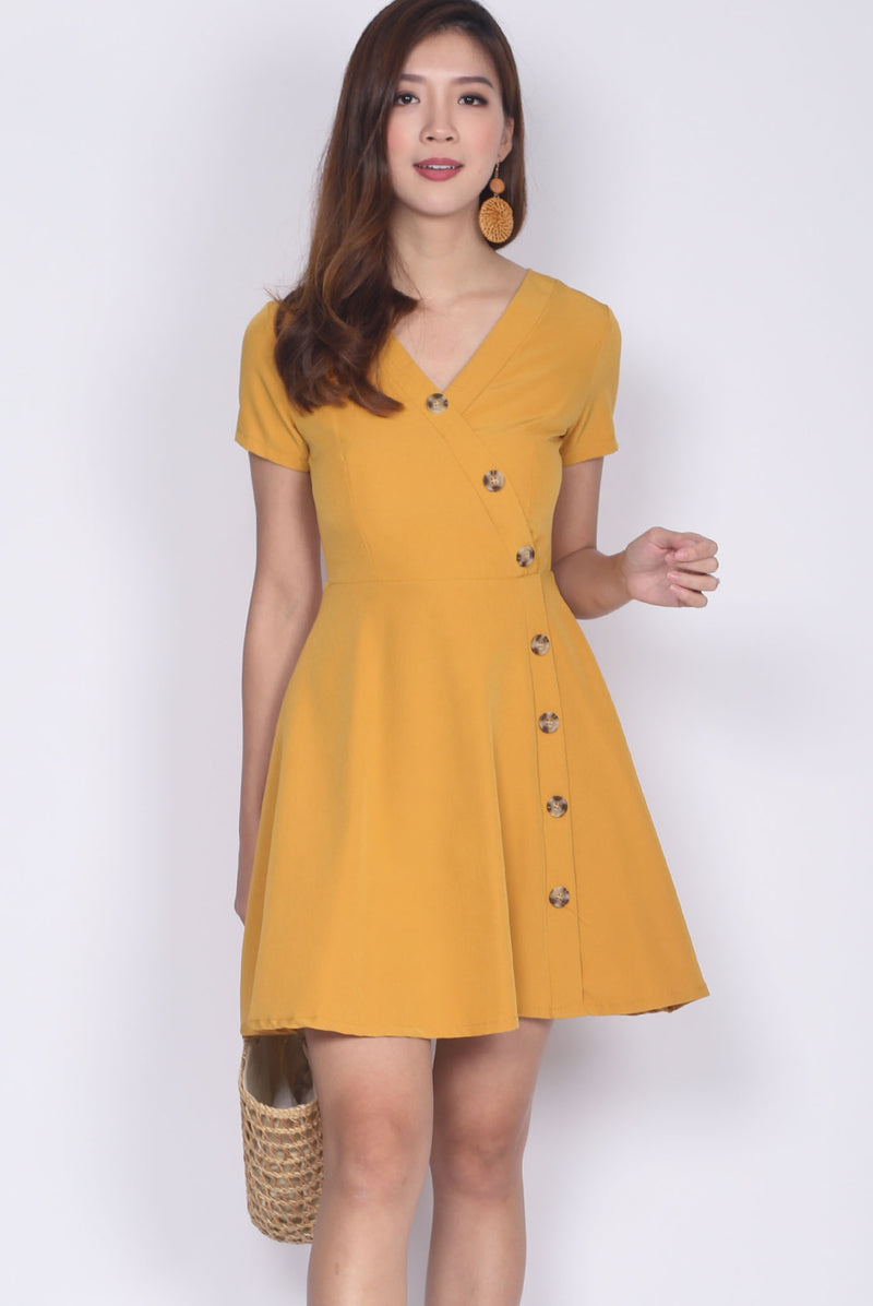 Eldora Buttons Wave Sleeve Dress In Marigold