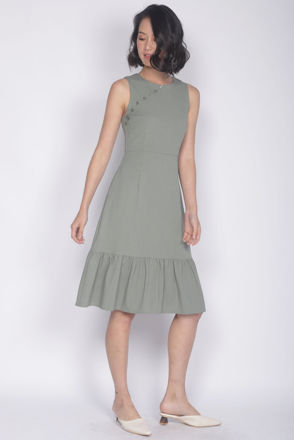 Eliotte Buttons Removable Oriental Collar Dress In Sage