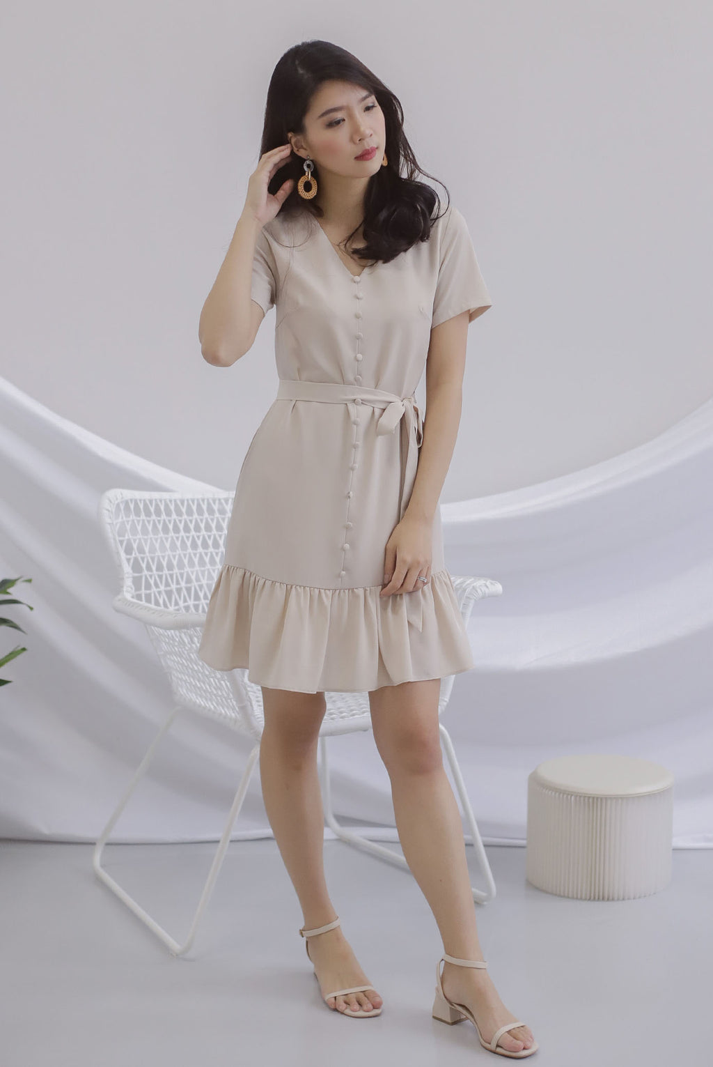 Elsy Sleeved Drop Hem Dress In Oats
