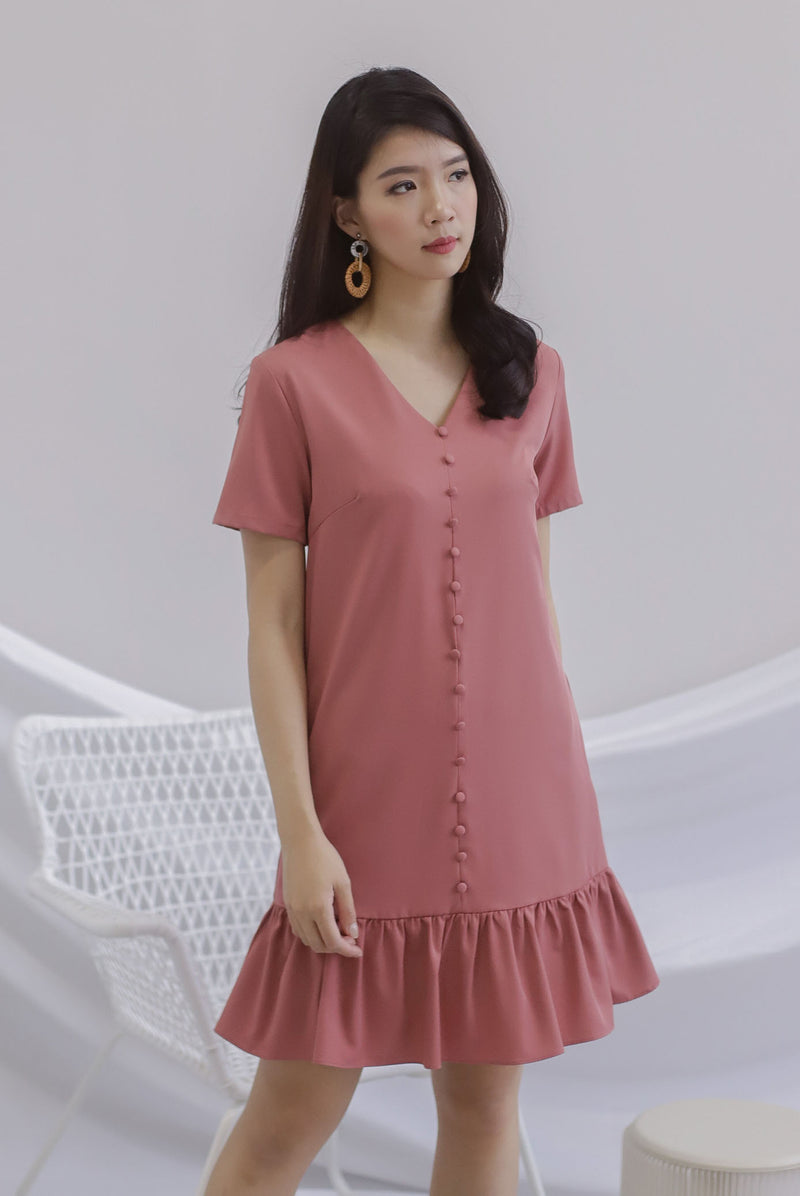 Elsy Sleeved Drop Hem Dress In Tea Rose
