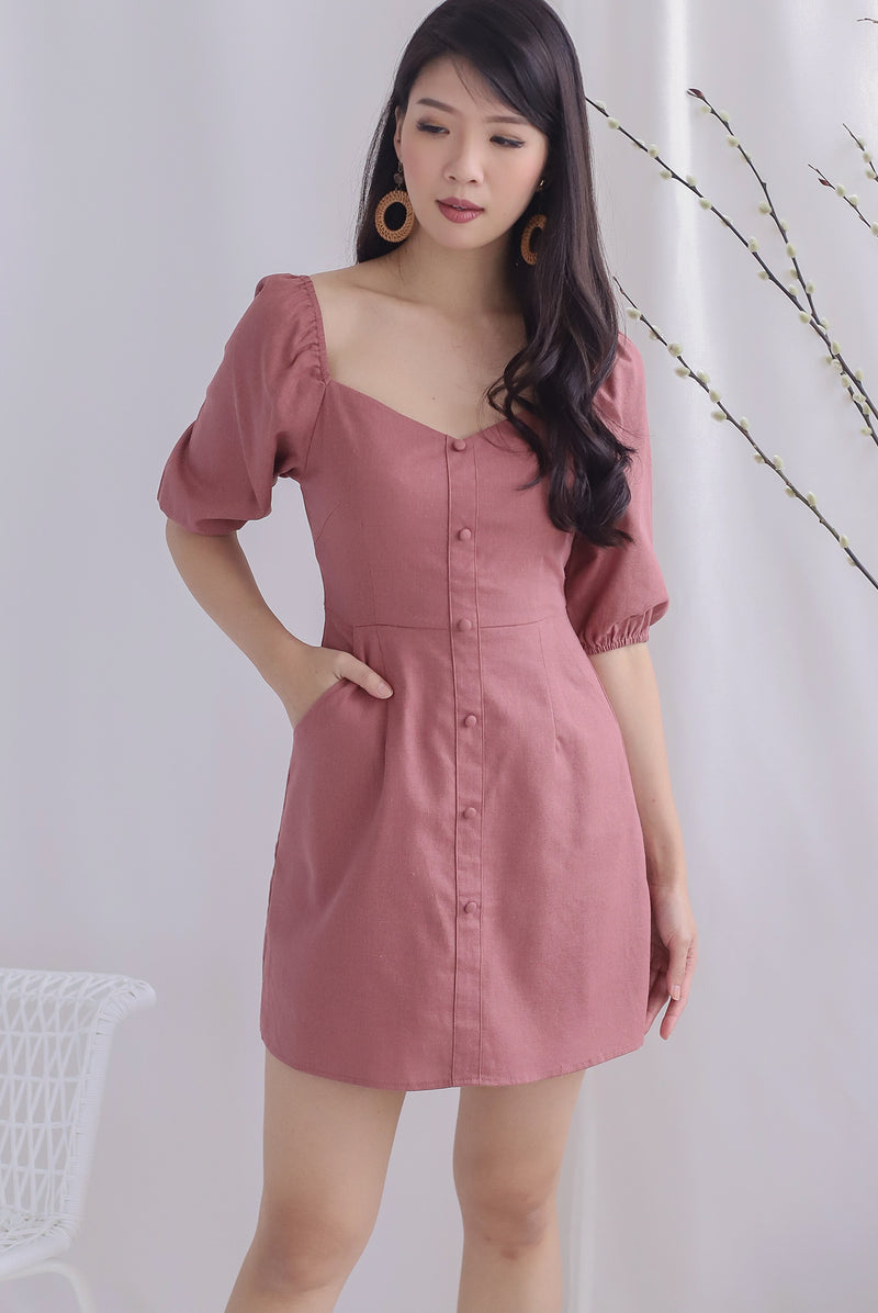 Everli Buttons Puffy Sleeve Romper In Tea Rose
