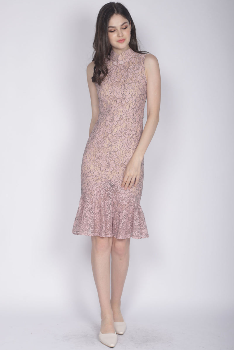 *Premium* Evie Mermaid Removable Oriental Collar Dress In Blush