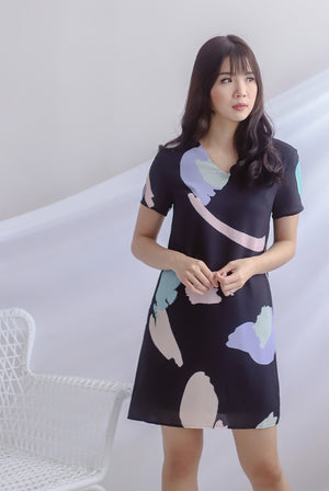 Fairlight Abstract Sleeve Dress In Black