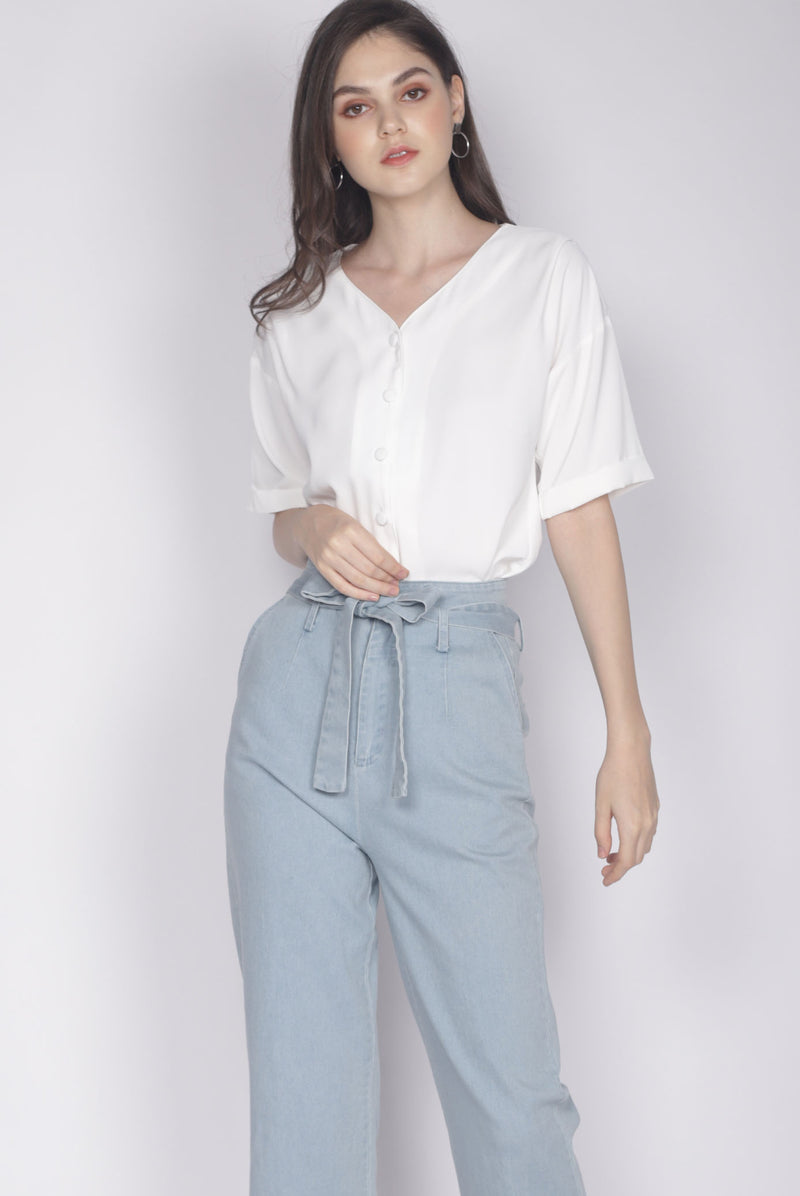 Faustine Buttons Sleeve Top In White