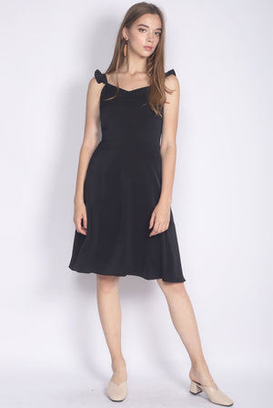 Frey Ruffle Strap Buttons Down Dress In Black