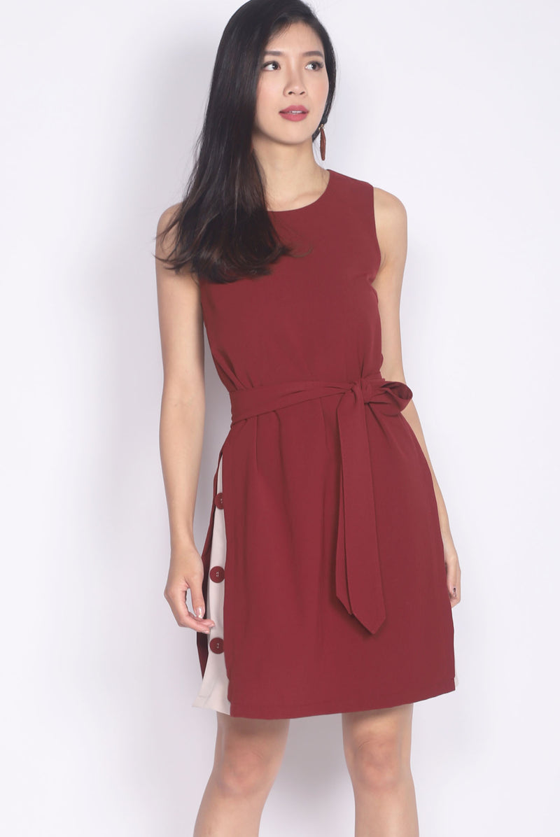 Gabi Buttons Side Colour Block Dress In Wine Red