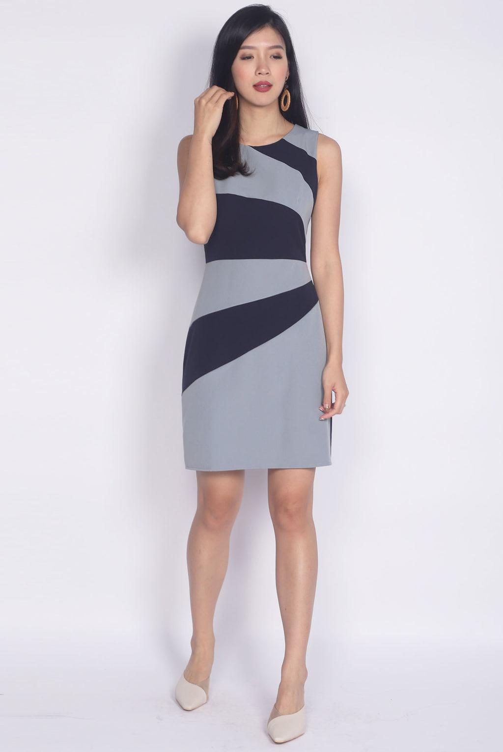 Garcelle Wavy Colour Block Dress In Navy/Blue