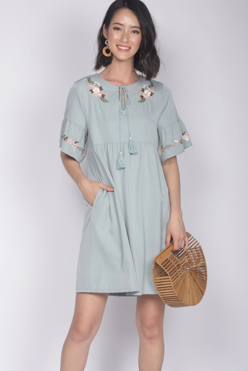 Genoveva Embro Tassel Dress In Seafoam