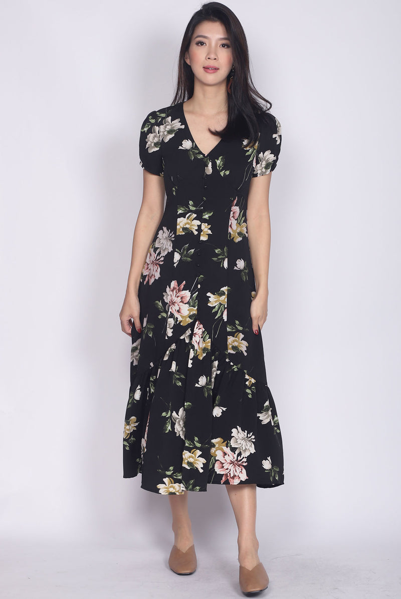 Geovana Buttons Slit Mermaid Maxi Dress In Black Floral