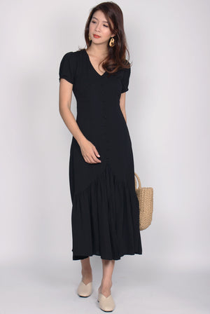 *Restock* Geovana Buttons Slit Mermaid Maxi Dress In Black