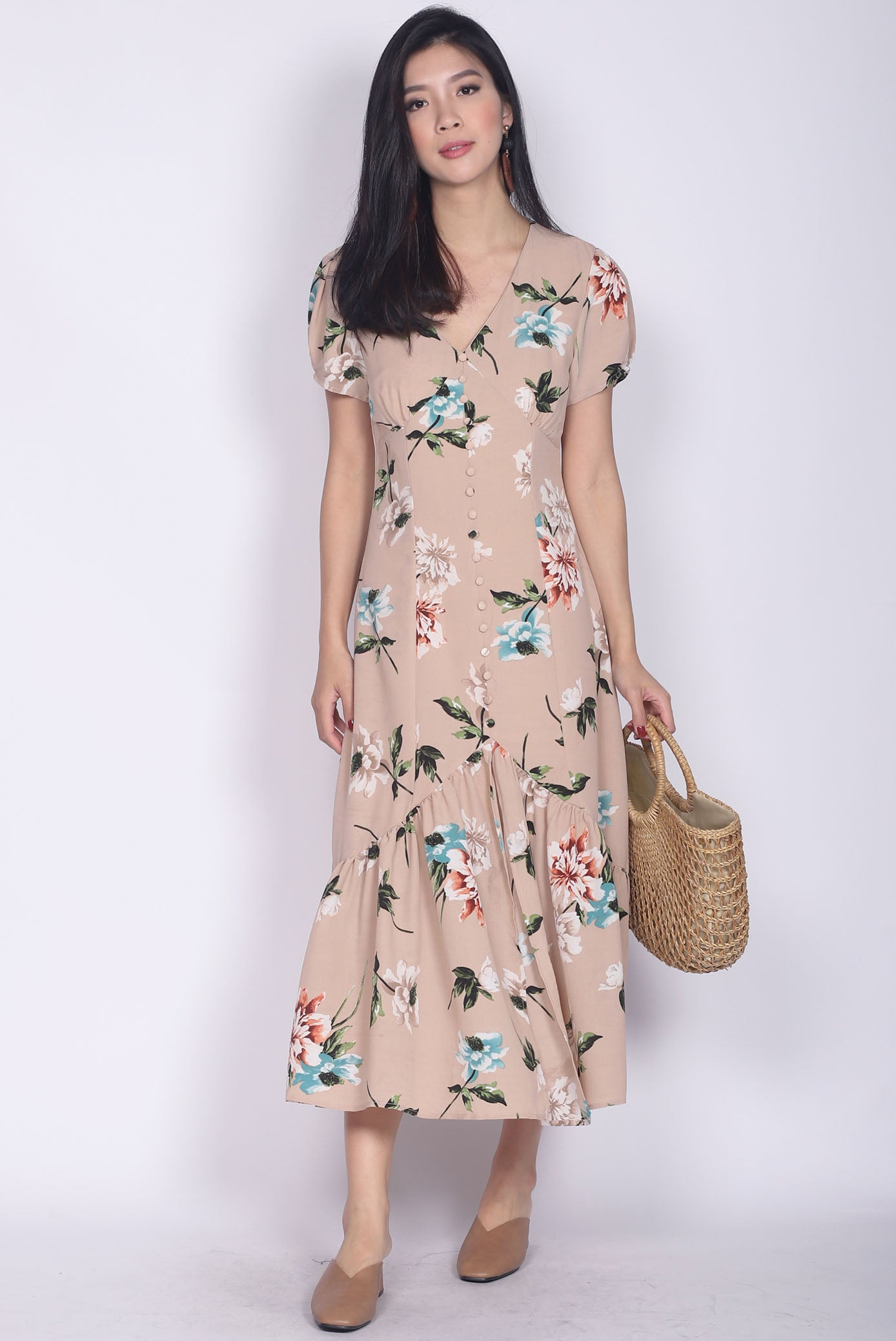 78996ef55ed Geovana Buttons Slit Mermaid Maxi Dress In Nude Floral – The Design Closets