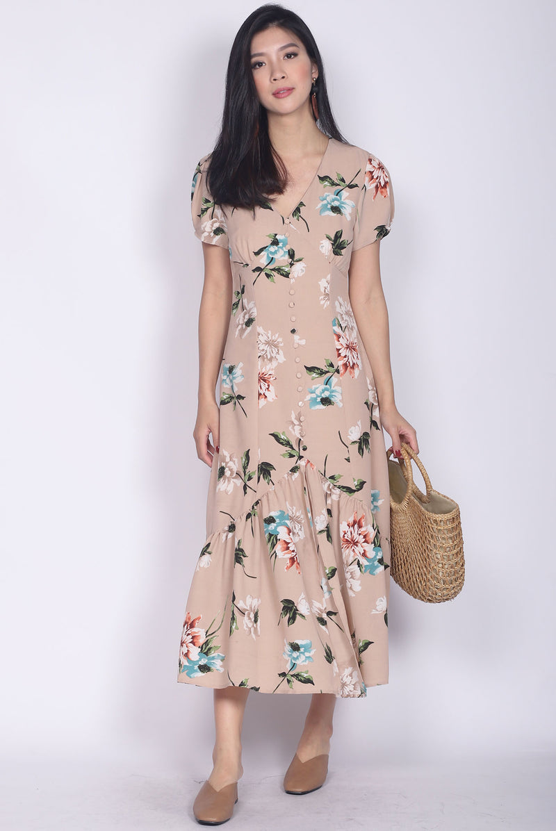 Geovana Buttons Slit Mermaid Maxi Dress In Nude Floral