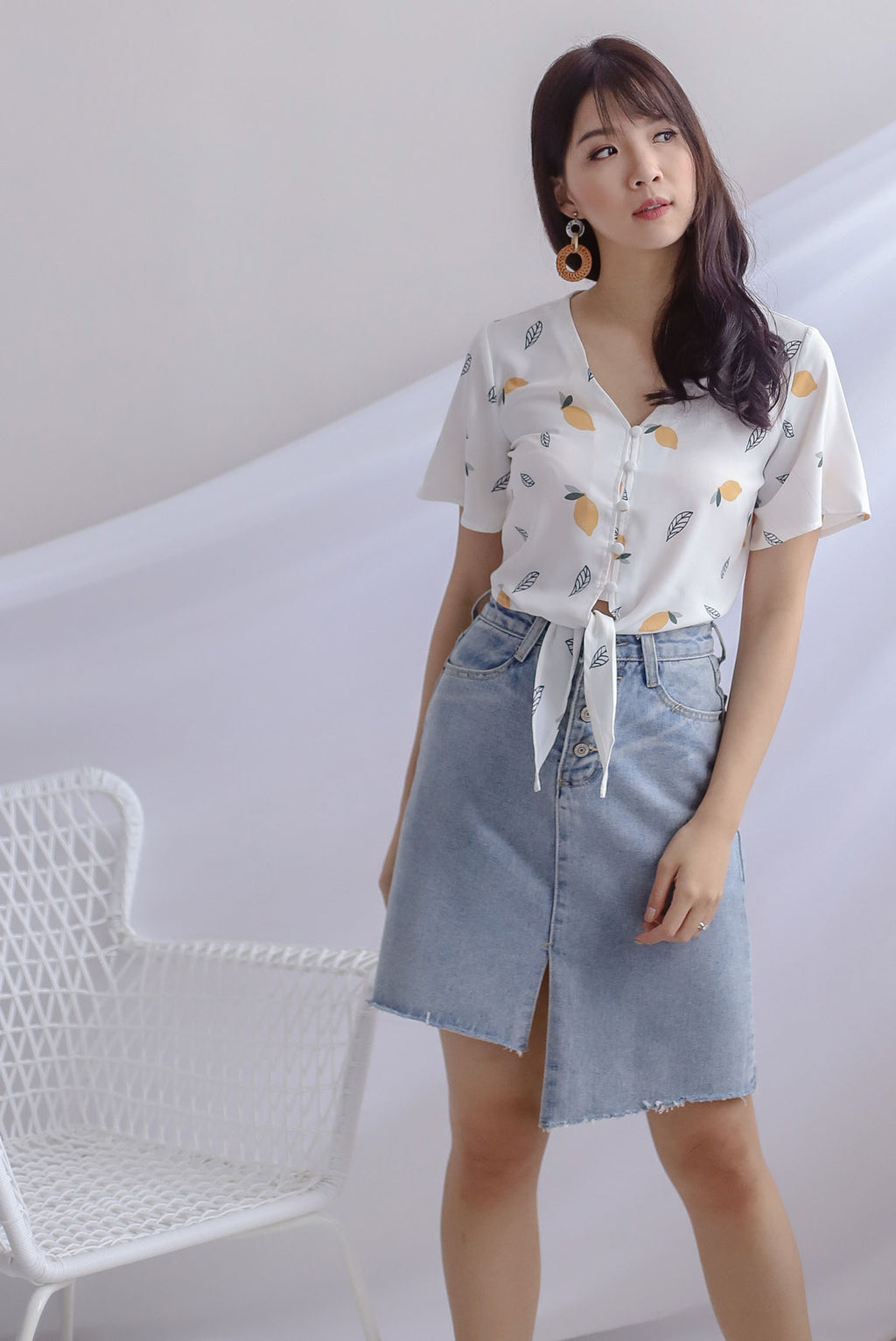 Gilly Lemon Buttons Tie Up Top In White