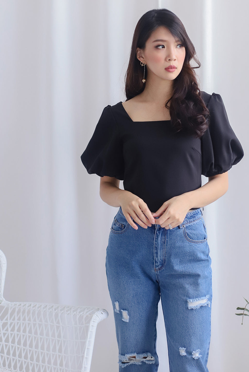 Ginette Puffy Sleeve Square Neck Top In Black