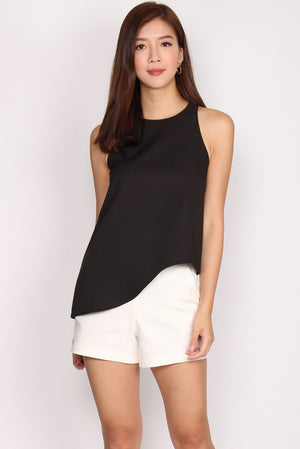 Ginevra Asymm Top In Black