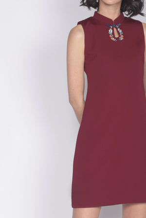 Gohlia Embro Keyhole Cheongsam Dress In Wine Red