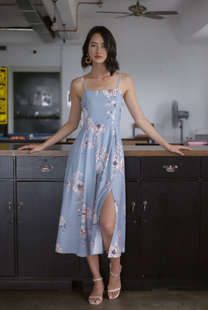 Gracie Tie Back Floral Midi Dress In Powder Blue