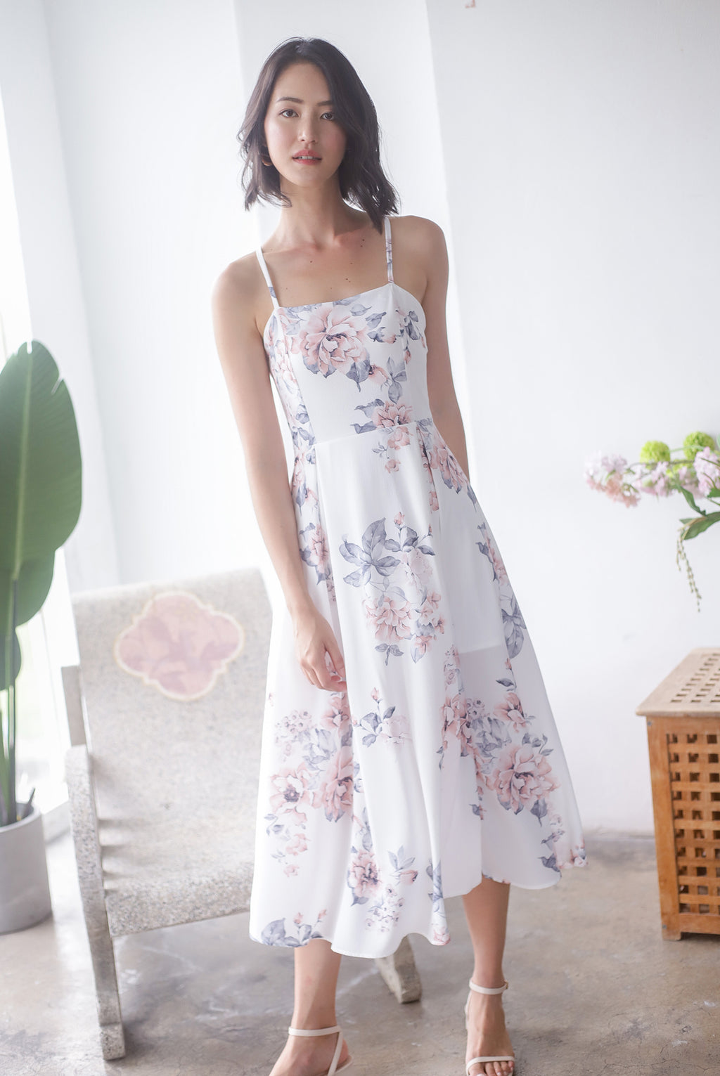 Gracie Tie Back Floral Midi Dress In White